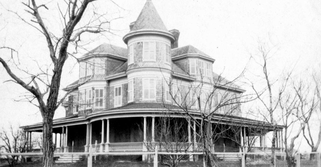 1920 Loew House straightened c1920
